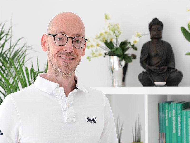 Tobias Knapp